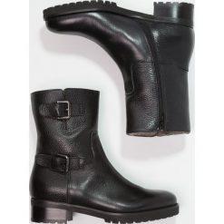 Luca Grossi Botki kowbojki i motocyklowe nero. Czarne buty zimowe damskie Luca Grossi, z materiału. W wyprzedaży za 629,40 zł.