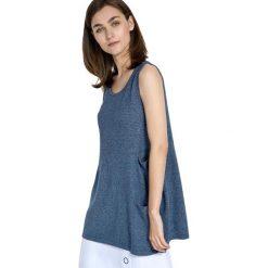 Swetry oversize damskie: Sweter w kolorze jasnoniebieskim