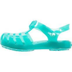 Crocs ISABELLA Sandały kąpielowe tropical teal. Niebieskie sandały chłopięce marki Crocs, z gumy. Za 129,00 zł.