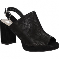 SANDAŁY NESSI 80506. Czarne sandały damskie marki Nessi, z materiału, na obcasie. Za 189,99 zł.