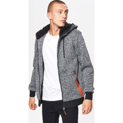 Zapinany sweter z kapturem - Szary. Szare swetry rozpinane męskie marki Cropp, l, z kapturem. Za 129,99 zł.