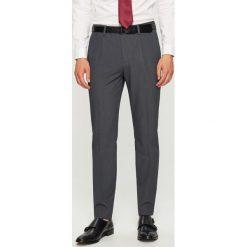 Rurki męskie: Spodnie garniturowe slim fit – Szary
