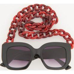 Okulary przeciwsłoneczne z łańcuszkiem - Czarny. Czarne okulary przeciwsłoneczne damskie Reserved. Za 59,99 zł.