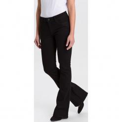 """Dżinsy """"Flare Faye"""" - Flared fit - w kolorze granatowym. Niebieskie spodnie z wysokim stanem marki Cross Jeans, z aplikacjami. W wyprzedaży za 127,95 zł."""