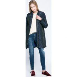 Calvin Klein Jeans - Jeansy. Niebieskie jeansy damskie rurki marki Calvin Klein Jeans. W wyprzedaży za 329,90 zł.