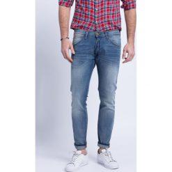 Wrangler - Jeansy Bryson Cross Grain. Szare jeansy męskie skinny Wrangler. Za 329,90 zł.