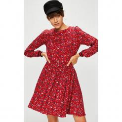 Medicine - Sukienka Royal Purple. Fioletowe sukienki MEDICINE, na co dzień, l, z tkaniny, casualowe, z okrągłym kołnierzem, mini, rozkloszowane. Za 139,90 zł.