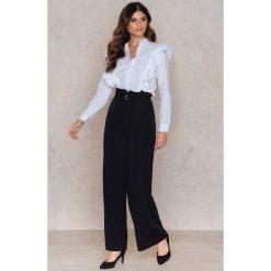 Spodnie z wysokim stanem: NA-KD Trend Spodnie z zakładkami i szerokimi nogawkami - Black