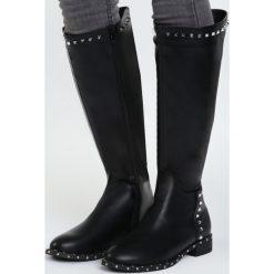 Czarne Kozaki Finally Facing. Czarne buty zimowe damskie marki Kazar, ze skóry, na wysokim obcasie. Za 169,99 zł.