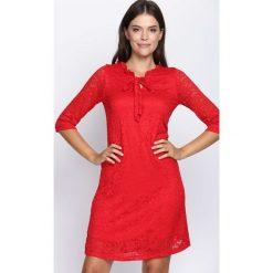 Czerwona Sukienka Perfect Illusion. Czerwone sukienki marki Mohito, l, z weluru. Za 54,99 zł.