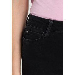KIOMI Jeans Skinny Fit black denim. Czarne jeansy damskie marki KIOMI, z bawełny. Za 169,00 zł.
