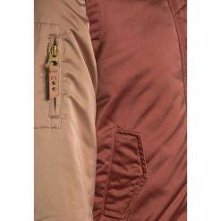 Scotch R'Belle TONAL WITH BADGES Kurtka przejściowa dusty rose. Czerwone kurtki chłopięce przejściowe marki Reserved, z kapturem. W wyprzedaży za 356,15 zł.