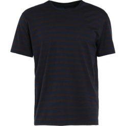 Rag & bone HENRY STRIPE TEE Tshirt z nadrukiem navy/chocola. Niebieskie t-shirty męskie z nadrukiem rag & bone, l, z bawełny. Za 569,00 zł.