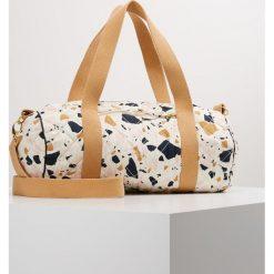 Torebki klasyczne damskie: Soft Gallery BAG SMALL Torba weekendowa white