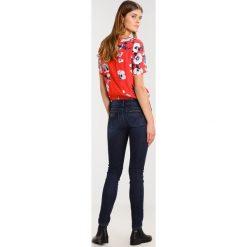 LOIS Jeans BERTAR Jeansy Slim Fit nocturne stone. Niebieskie jeansy damskie marki LOIS Jeans, z bawełny. W wyprzedaży za 229,50 zł.