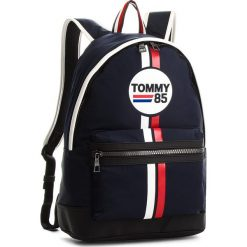 Plecak TOMMY HILFIGER - Tommy Backpack Racing Print AM0AM03245  413. Czarne plecaki męskie marki TOMMY HILFIGER, z bawełny. Za 449,00 zł.