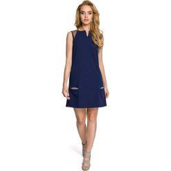 Prosta Granatowa Sukienka z Tiulowymi Wstawkami na Ramionach. Niebieskie sukienki koktajlowe marki Reserved, z odkrytymi ramionami. Za 99,90 zł.