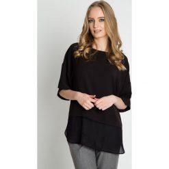 Luźna czarna bluzka z opuszczonym rękawem BIALCON. Czarne bluzki asymetryczne BIALCON, z materiału, casualowe. Za 165,00 zł.