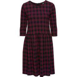 Sukienka shirtowa bonprix ciemnoczerwono-czarny w kratę. Czerwone sukienki z falbanami marki Mohito, l, z weluru. Za 89,99 zł.