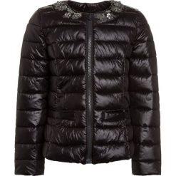 Sisley Kurtka przejściowa black. Czarne kurtki dziewczęce przejściowe Sisley, z materiału. W wyprzedaży za 179,10 zł.
