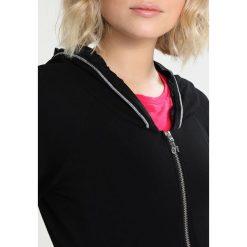 Deha FELPA CON ZIP E CAPP Bluza rozpinana black. Czarne kardigany damskie Deha, xs, z bawełny. W wyprzedaży za 367,20 zł.