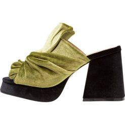 Chodaki damskie: Shellys London DRUCILLA Klapki green