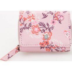 Mały portfel - Różowy. Czerwone portfele damskie Reserved. Za 39,99 zł.