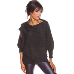 """Sweter """"Pia"""" w kolorze czarnym. Swetry klasyczne damskie 100% Maille, s, z dekoltem w łódkę. W wyprzedaży za 129,95 zł."""