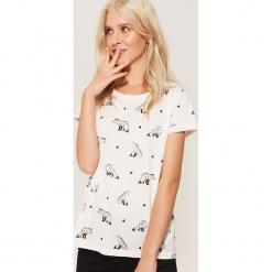 T-shirt z nadrukiem - Biały. Białe t-shirty damskie House, l, z nadrukiem. Za 29,99 zł.