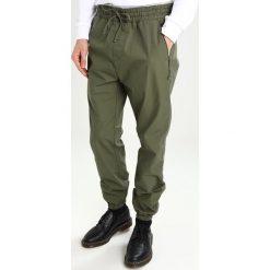 Spodnie męskie: Carhartt WIP VALIANT COLUMBIA Spodnie materiałowe rover green rinsed