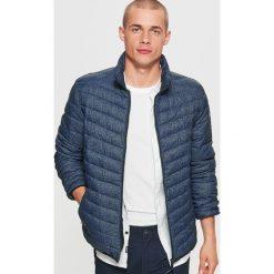 Pikowana kurtka - Niebieski. Niebieskie kurtki damskie pikowane Cropp, l. W wyprzedaży za 79,99 zł.
