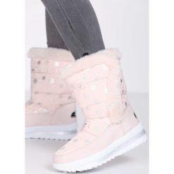 Różowe Śniegowce Same. Czerwone buty zimowe damskie marki Born2be, z okrągłym noskiem. Za 99,99 zł.