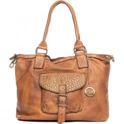 Skórzana torebka w kolorze jasnobrązowym - 34 x 29 x 13 cm. Brązowe torebki klasyczne damskie Mia Tomazzi, w paski, z materiału. W wyprzedaży za 636,95 zł.