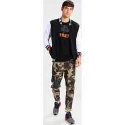 Chinosy męskie: Shine Original DROP CROTCH MILITARY PANTS Spodnie materiałowe army