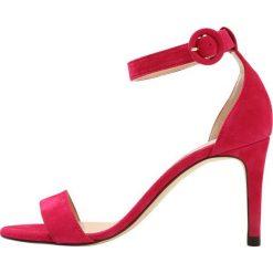 LK Bennett DORA Sandały na obcasie power pink. Czerwone sandały damskie LK Bennett, z materiału, na obcasie. W wyprzedaży za 569,40 zł.