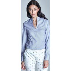 Niebieska Koszulowa Bluzka ze Stojką z Długim Rękawem. Niebieskie bluzki asymetryczne Molly.pl, l, z jeansu, biznesowe, dekolt w kształcie v, z długim rękawem. Za 89,90 zł.