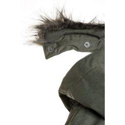 Columbia CARSON PASS Kurtka zimowa cypress. Brązowe kurtki chłopięce zimowe marki Columbia, z materiału. W wyprzedaży za 341,10 zł.