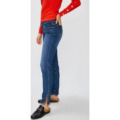 Guess Jeans - Jeansy Marilyn 3 Zip. Niebieskie jeansy damskie rurki marki Guess Jeans, z aplikacjami, z bawełny, z obniżonym stanem. W wyprzedaży za 319,90 zł.