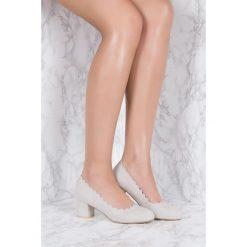 Buty ślubne damskie: NA-KD Shoes Czółenka z wycinanymi brzegami - Grey