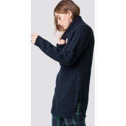 Rut&Circle Sweter z golfem Samira - Blue,Navy. Zielone golfy damskie marki Rut&Circle, z dzianiny, z okrągłym kołnierzem. Za 161,95 zł.