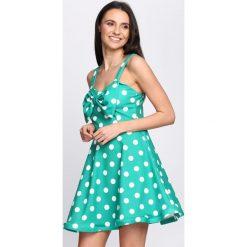 Zielona Sukienka La La Love. Zielone sukienki letnie marki Reserved, z wiskozy. Za 84,99 zł.