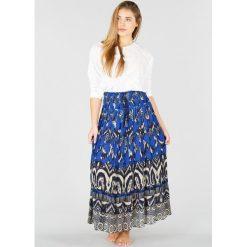 Długie spódnice: Bardzo długa rozszerzana spódnica w etniczy wzór