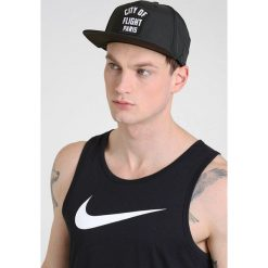Jordan JUMPMAN PRO ZIP Czapka z daszkiem black/white. Czarne czapki męskie Jordan, z materiału. W wyprzedaży za 126,65 zł.