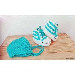 Zestaw czapka i buciki. Niebieskie buciki niemowlęce Pakamera. Za 60,00 zł.