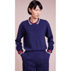 DESIGNERS REMIX DAWN Koszulka polo dark blue. Niebieskie bluzki asymetryczne DESIGNERS REMIX, z elastanu, polo. Za 839,00 zł.