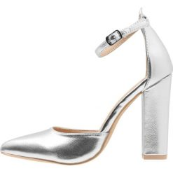 Szpilki: Glamorous Szpilki silver