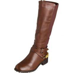 Kozaki w kolorze brązowym. Brązowe buty zimowe damskie Divine Factory, na płaskiej podeszwie. W wyprzedaży za 130,95 zł.
