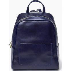 Skórzany włoski plecak ISABELL granatowy. Niebieskie plecaki damskie Vera Pelle, ze skóry. Za 399,00 zł.