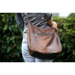 Brązowa damska zamszowa torba z zamkiem. Brązowe torebki klasyczne damskie Pakamera, w paski, z zamszu, zamszowe. Za 179,00 zł.