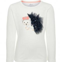 """Koszulka """"Satulle"""" w kolorze białym. Czerwone bluzki dziewczęce bawełniane marki Salt & Pepper, midi. W wyprzedaży za 42,95 zł."""